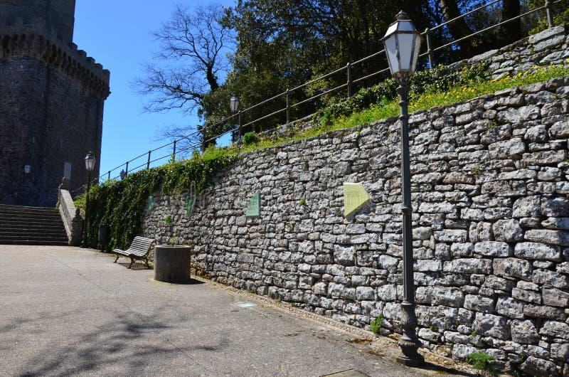 在老意大利样式的古老街道 埃里切,西西里岛,意大利 库存图片