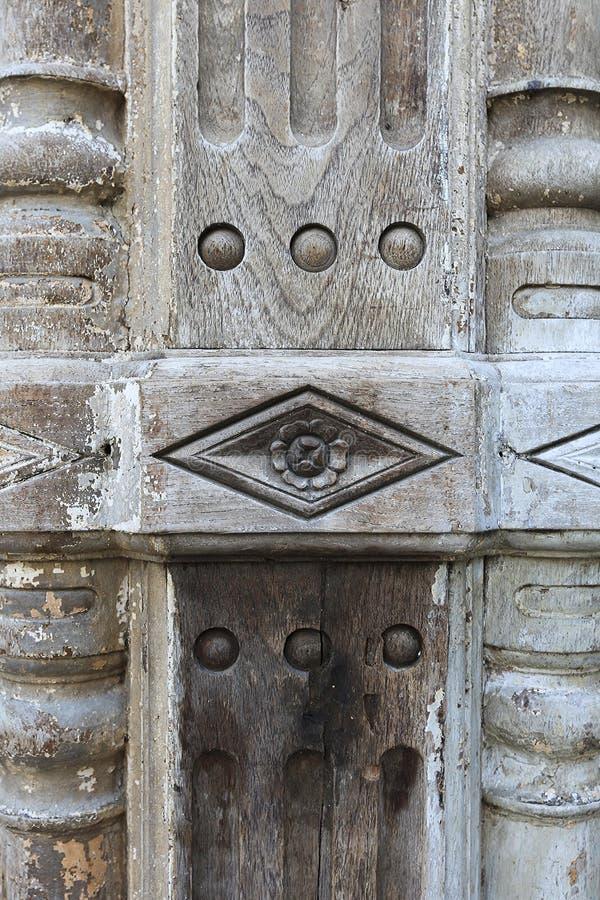 在老木柱子的抽象纹理样式 库存照片