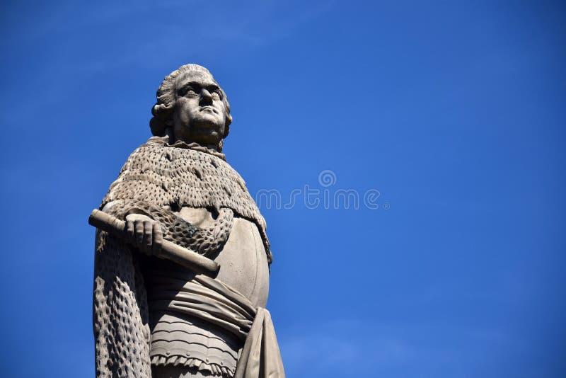 在老桥梁的卡尔Theodor雕象在内卡河,海得尔堡,德国 库存照片