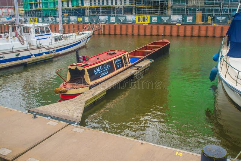 在老港口运河的伦敦小船在奥尔德敦,格但斯克,波兰 免版税库存图片