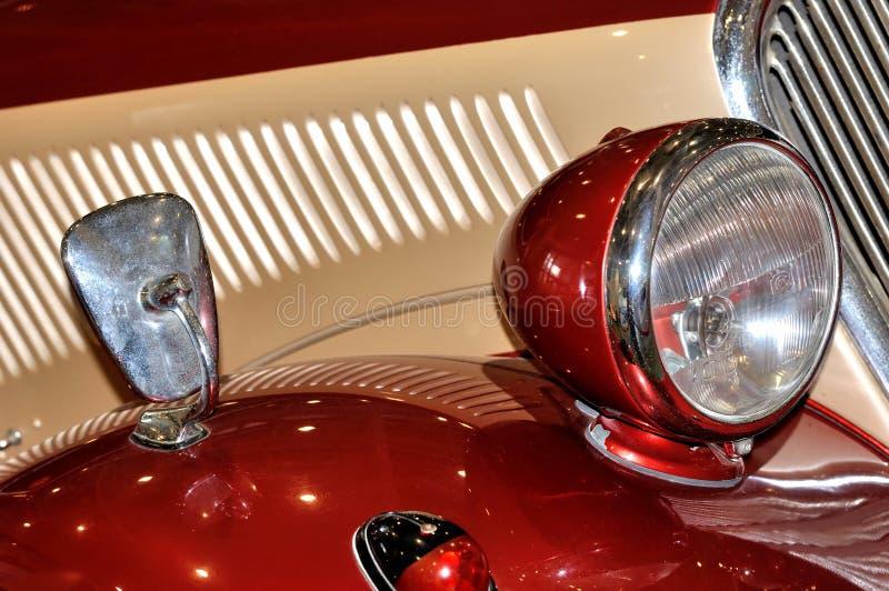在老牌汽车的闪亮指示 免版税库存照片
