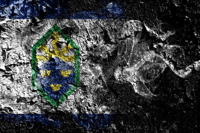 在老肮脏的墙壁背景的科罗拉多斯普林斯,科罗拉多发烟性神秘的旗子 库存例证