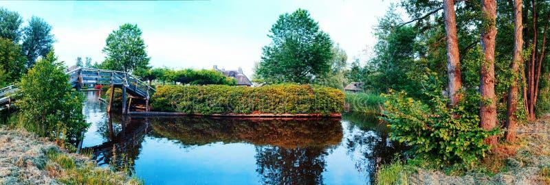 在老荷兰村庄夏天全景  免版税库存图片