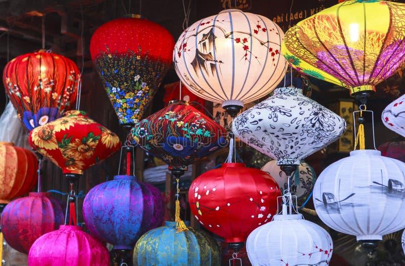 在老街道会安市,越南的灯笼 库存照片