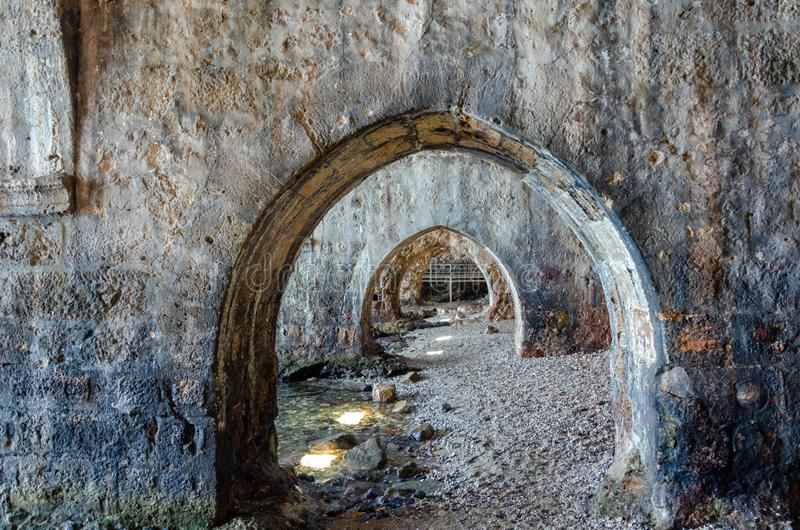 在老造船厂里面在阿拉尼亚堡垒,安塔利亚,土耳其 免版税库存照片
