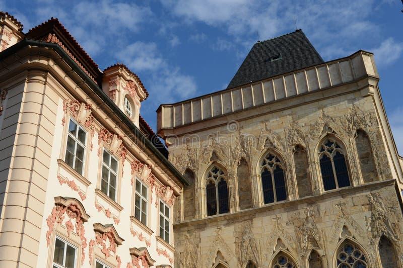 在老镇中心的大厦Chech共和国的,布拉格 库存照片
