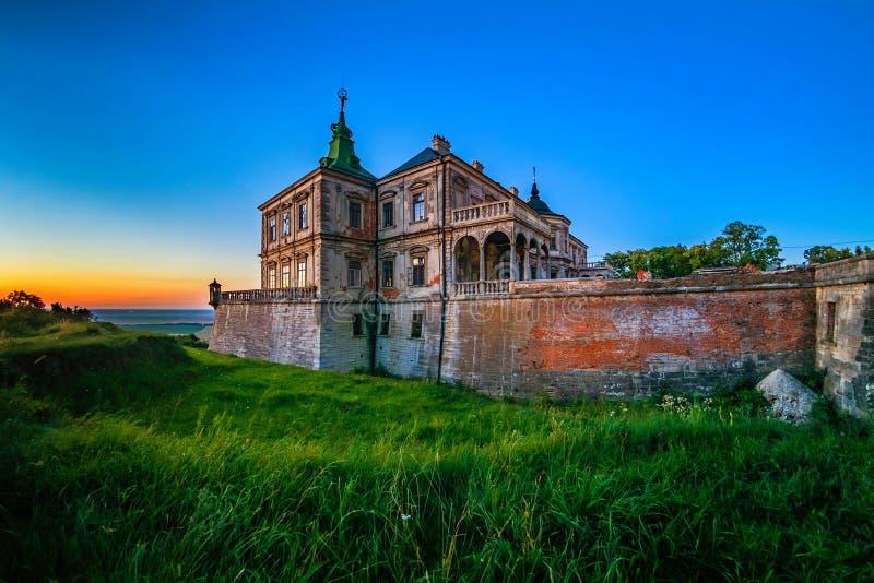 在老pidhirtsi乌克兰附近的城堡lviv 库存图片