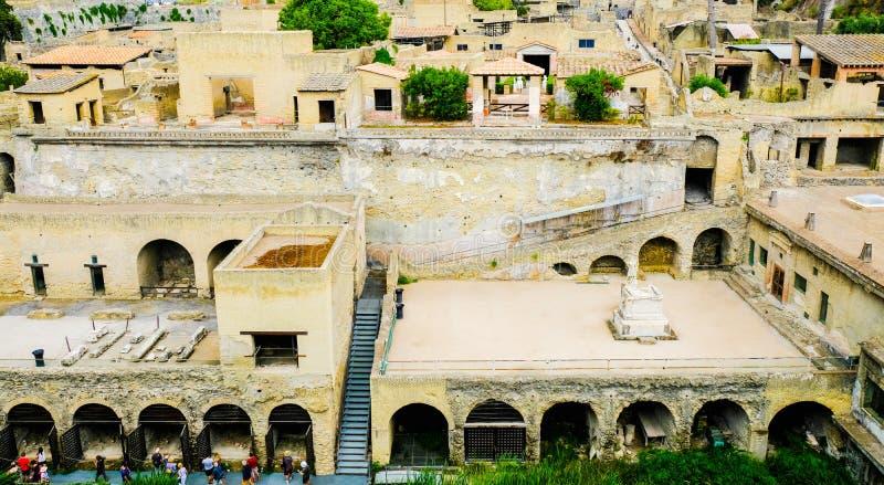??????????? 在考古学站点,埃尔科拉诺,意大利的全景 库存照片
