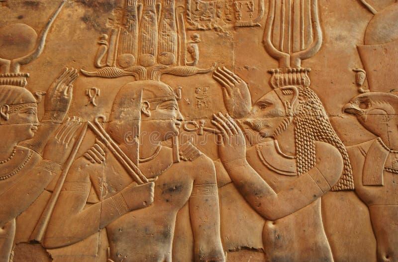 在考姆翁布寺庙埃及的象形文字 免版税库存照片