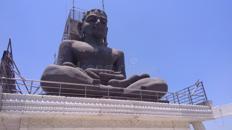 在耆那教的mandir印度的Bhudha雕象 免版税库存照片