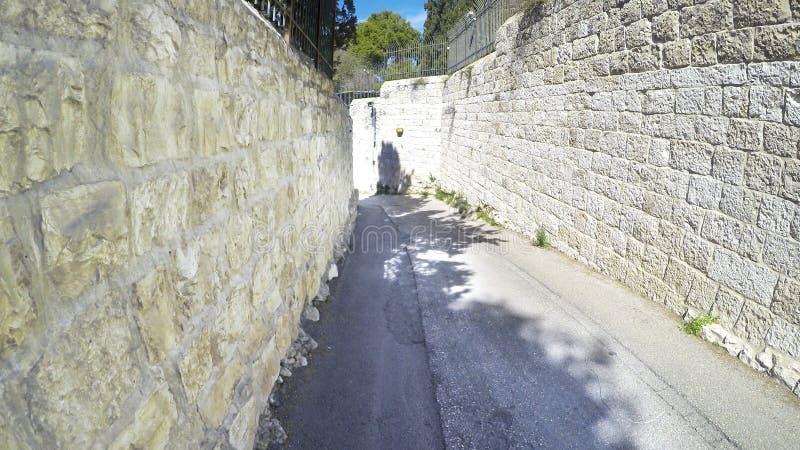 在耶路撒冷老的犹太处所的一个胡同  免版税库存图片