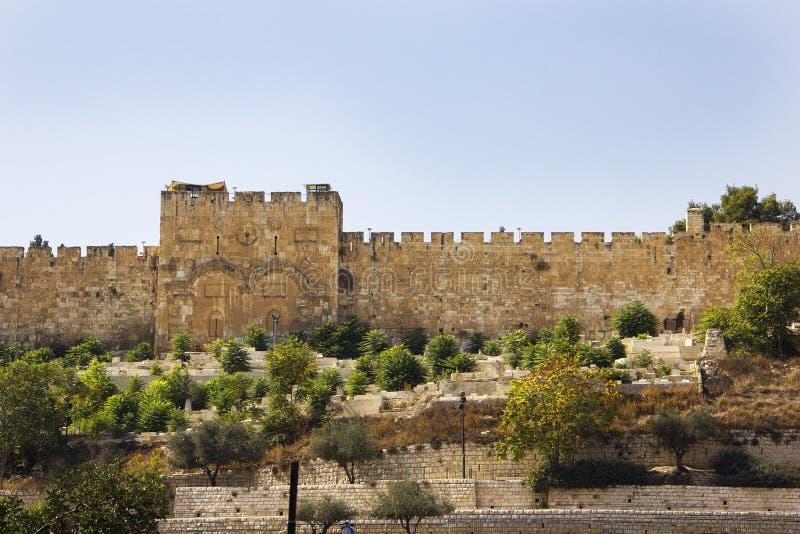 在耶路撒冷,以色列耶路撒冷旧城的墙壁的金门  库存照片