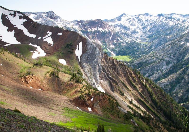 在耽溺于山的史诗风景, NE俄勒冈,美国 免版税库存图片