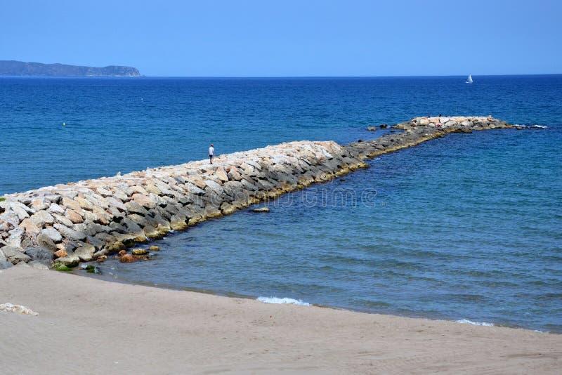 在肋前缘Brava,卡塔龙尼亚,西班牙的L'Escala 库存照片