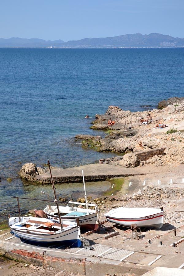 在肋前缘Brava,西班牙的小船 免版税图库摄影