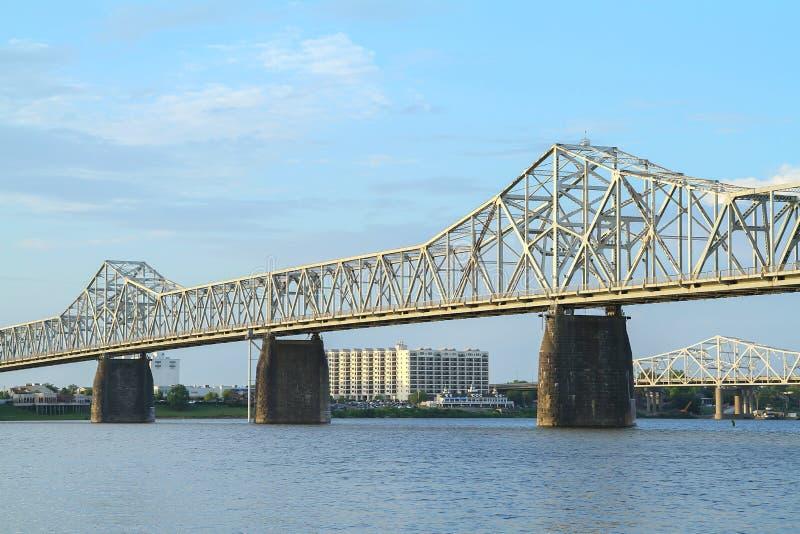 在肯塔基和印第安纳之间的第二座街道桥梁 免版税图库摄影