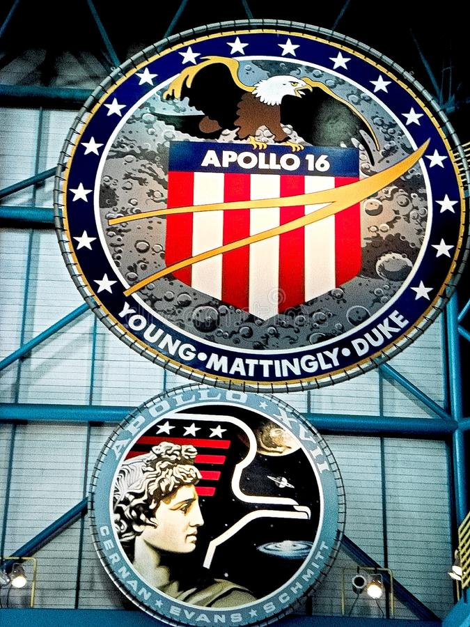 在肯尼迪航天中心的阿波罗象征 免版税图库摄影