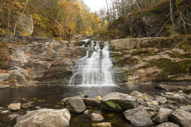 在肯特的主要瀑布在西康涅狄格落国家公园 免版税库存照片