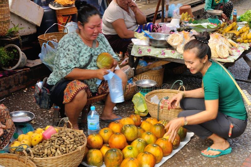 在肺Prabang的市场 免版税库存图片