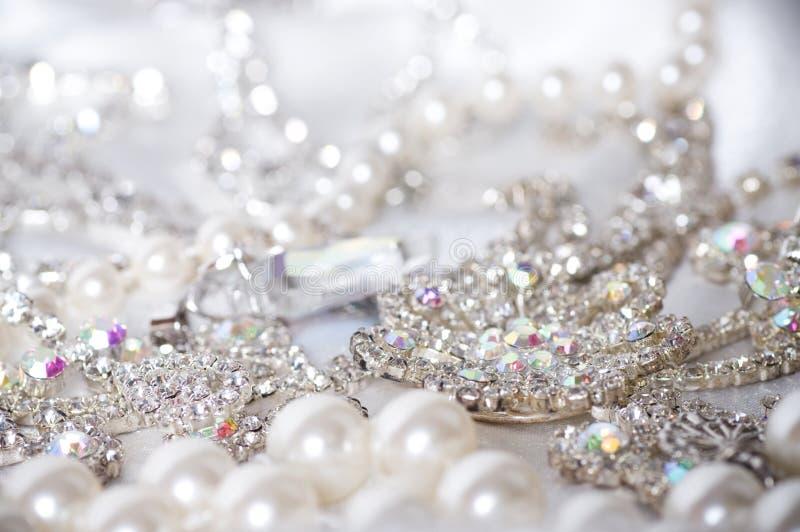 在背景的珠宝 免版税库存照片