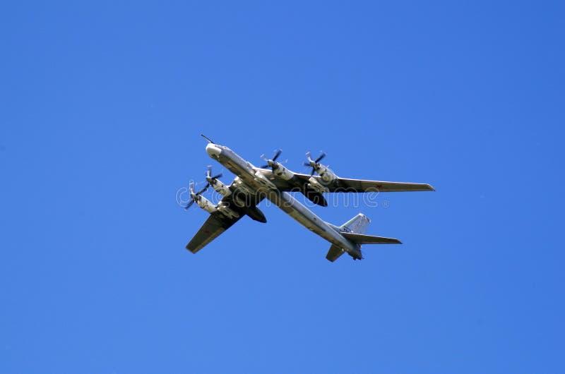 在胜利游行的飞机飞行,莫斯科 免版税库存图片