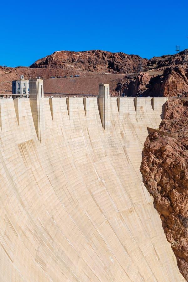 在胡佛水坝的巨型的混凝土墙 免版税库存照片