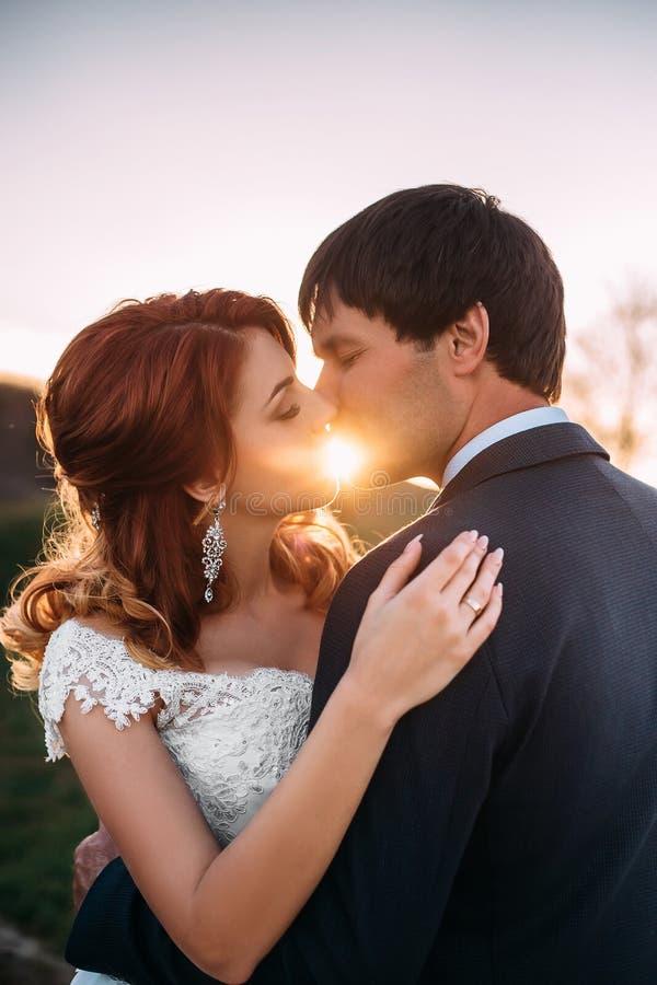 在自然的时髦的婚礼 免版税图库摄影