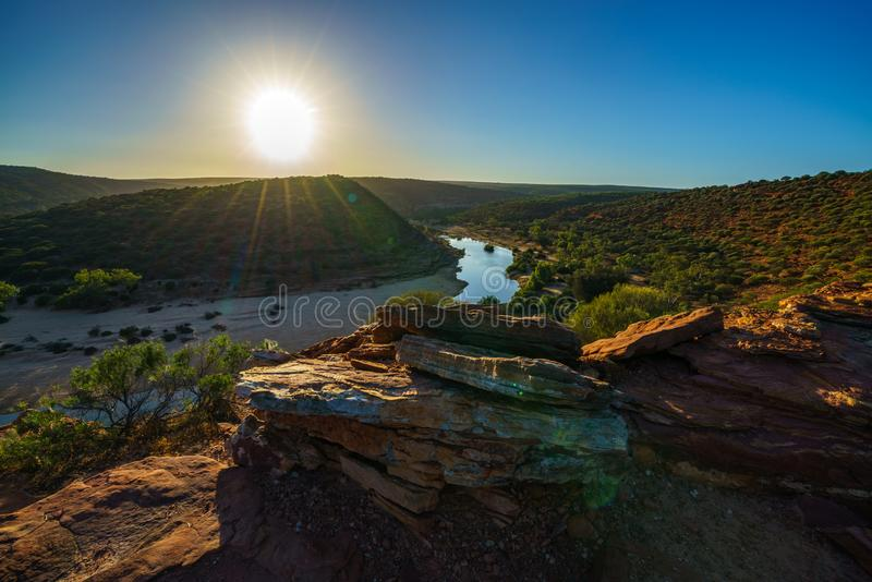 在自然窗口圈足迹,kalbarri国立公园,澳大利亚西部4的太阳 库存照片