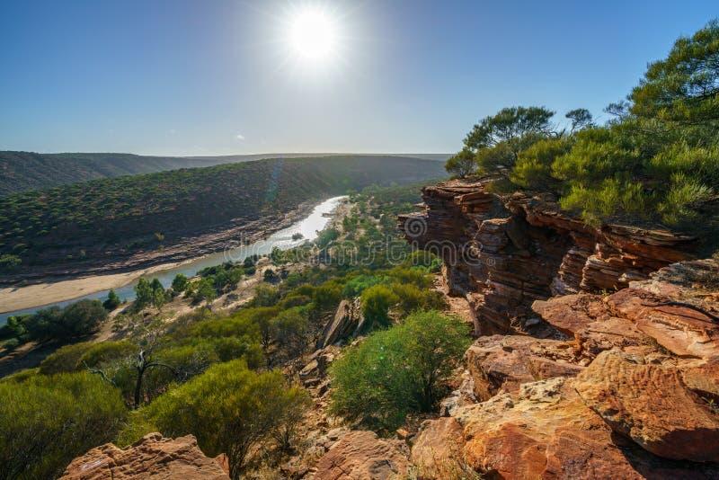 在自然窗口圈足迹,kalbarri国立公园,澳大利亚西部12的太阳 免版税库存图片