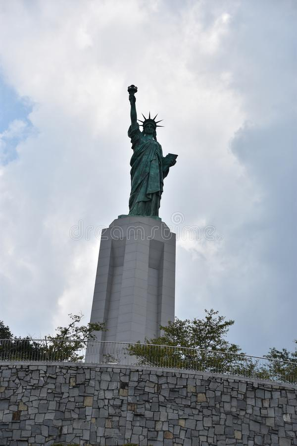 在自由公园的自由女神像复制品Vestavia小山的在阿拉巴马 免版税库存照片