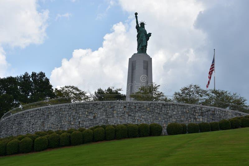 在自由公园的自由女神像复制品Vestavia小山的在阿拉巴马 免版税库存图片