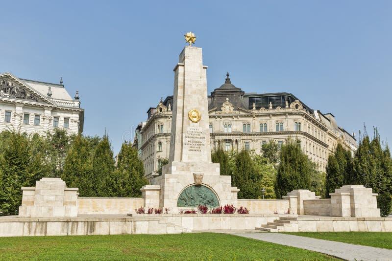 在自由正方形的苏联纪念碑在布达佩斯,匈牙利 免版税库存照片