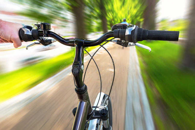 在自行车路上 免版税图库摄影