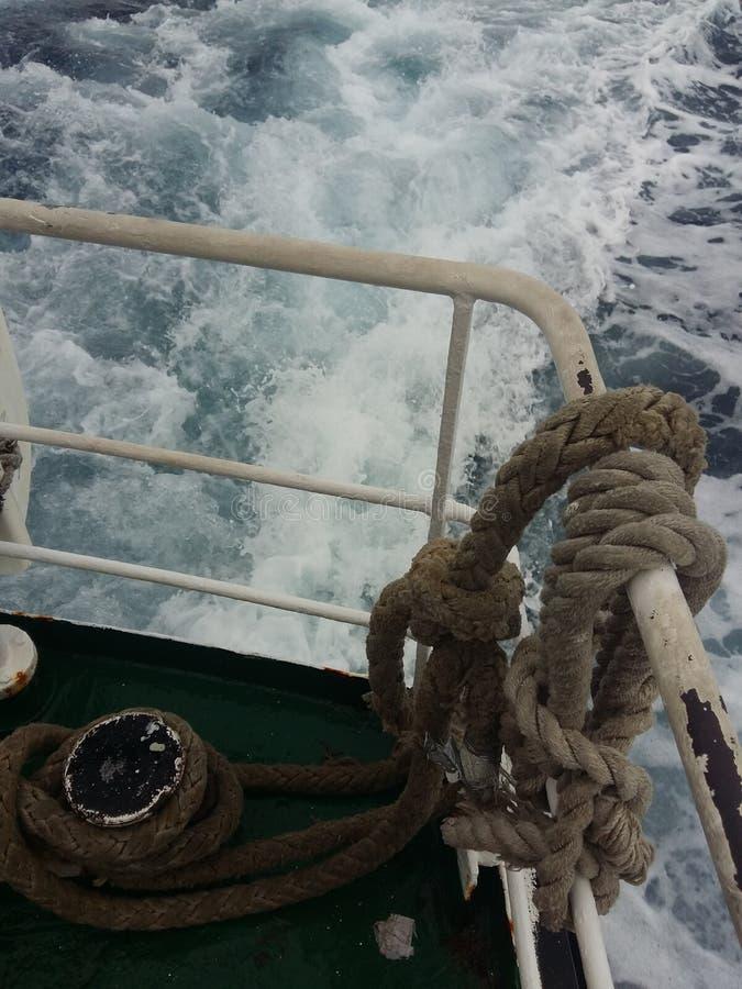 绳索在船上 免版税库存图片
