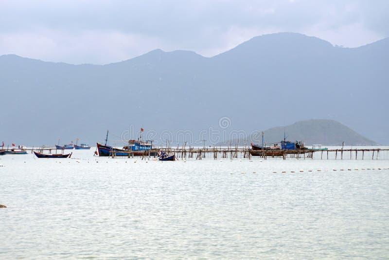 在船坞的渔船 免版税库存照片