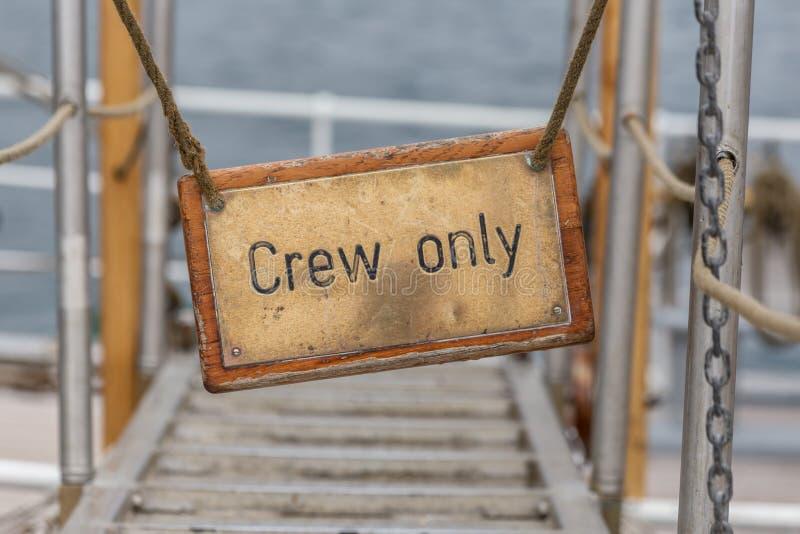 在船的一块金属古董板材 只有乘员组 免版税图库摄影