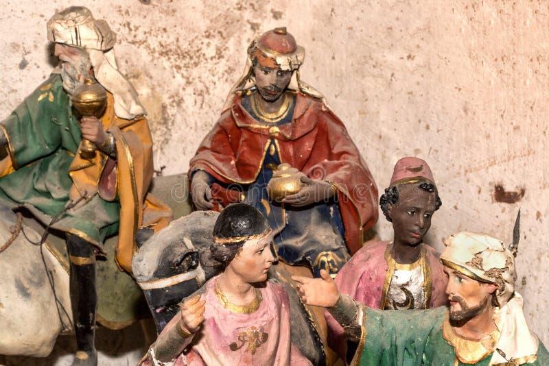 在艺术家演播室关闭的艺术品papier-machè 皇族释放例证