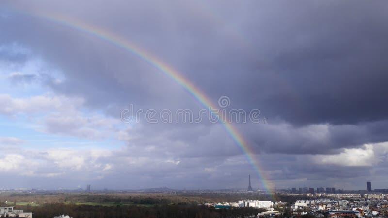 在艾菲尔铁塔的彩虹,巴黎,法国 库存照片