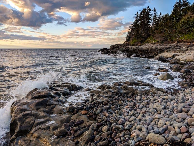 在芬迪湾的日落在新斯科舍 免版税库存图片