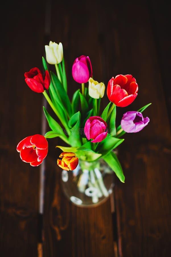 在花瓶的郁金香 免版税库存照片