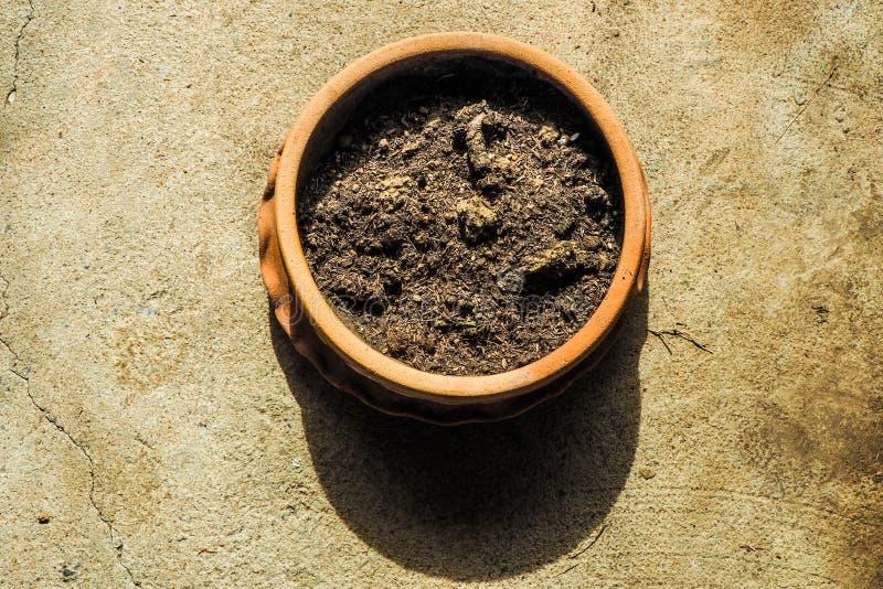 在花盆的土壤 免版税图库摄影