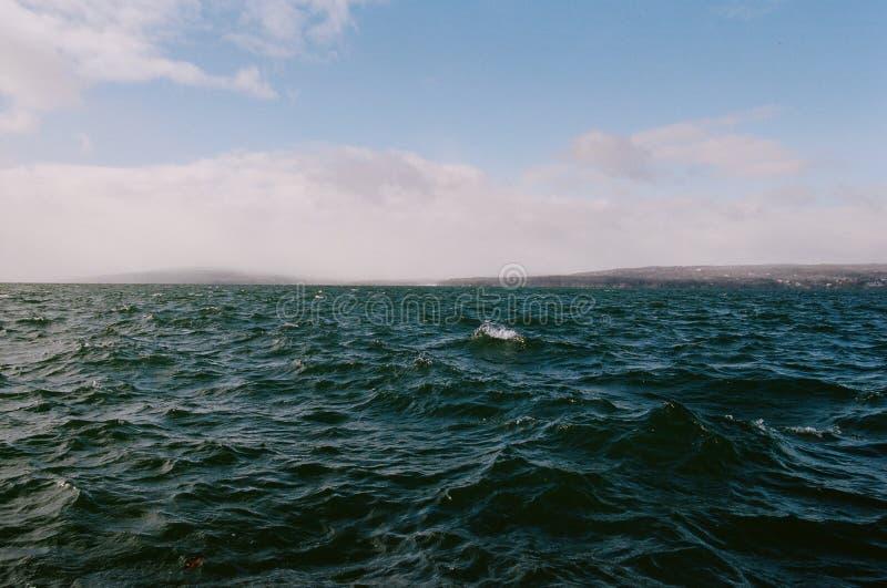 在苏必利尔湖的波浪 库存照片