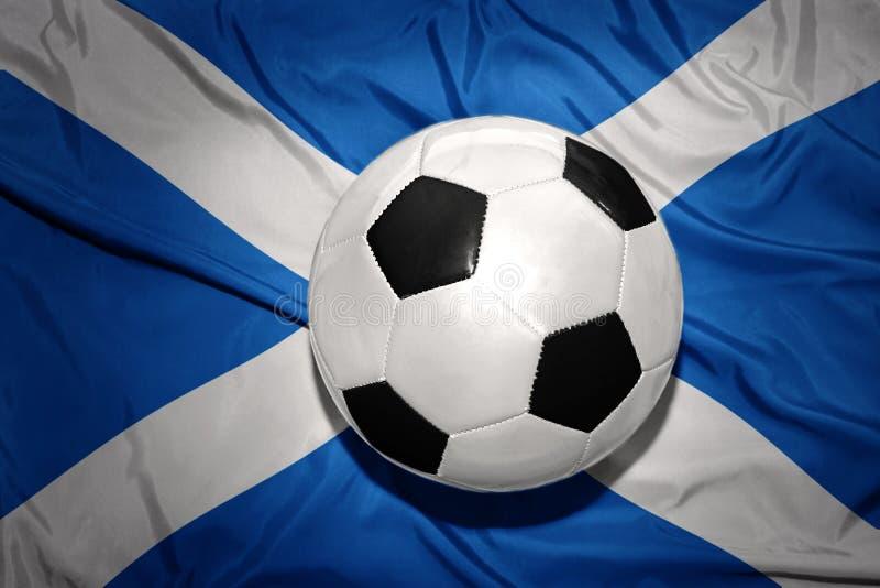 在苏格兰的国旗的黑白橄榄球球 库存图片