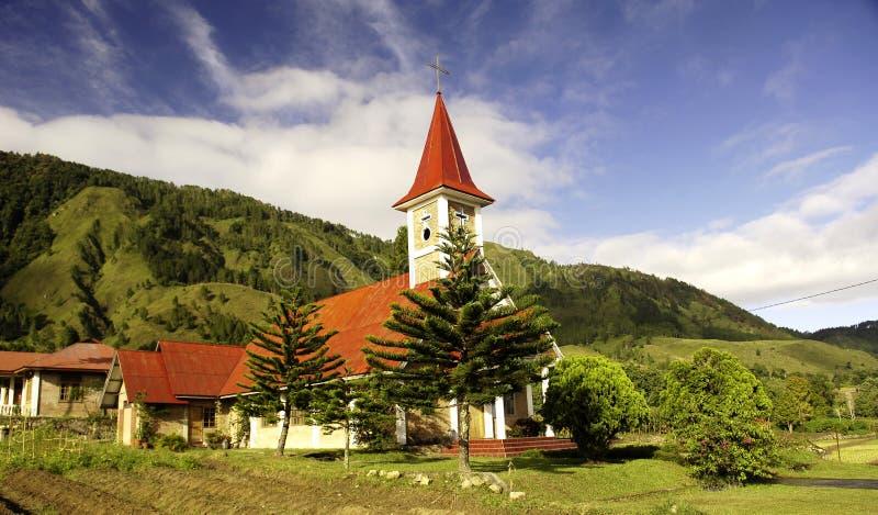 在苏门答腊户田附近的基督教会湖 免版税库存照片