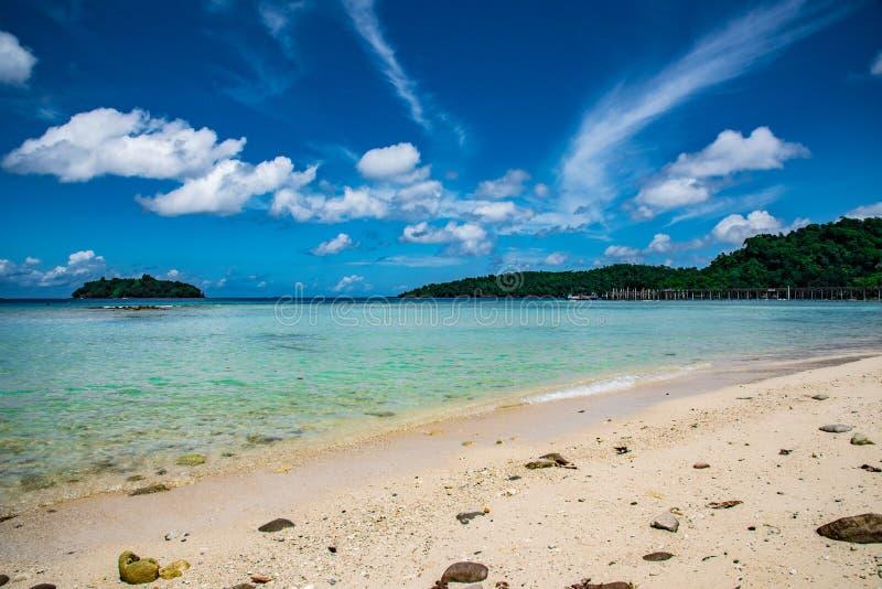 在苏门答腊海的美丽的景色  免版税库存照片