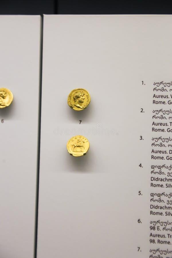 在英王乔治一世至三世时期国家博物馆-第比利斯的金币 库存照片