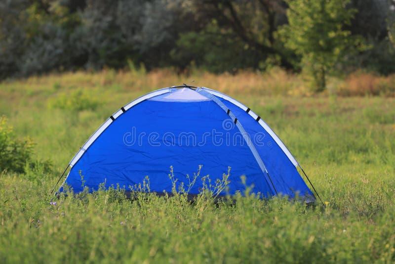 在草原的旅游帐篷 库存图片
