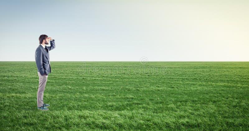 在草甸的男性 库存图片