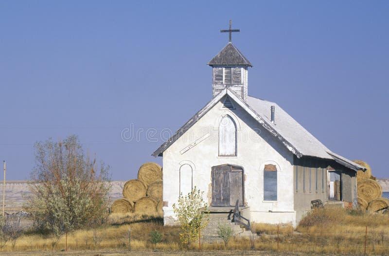 在荒地南达科他附近的被放弃的大草原教会 库存照片