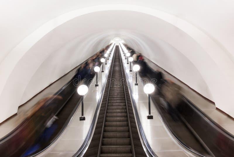在莫斯科地铁的自动扶梯 库存图片